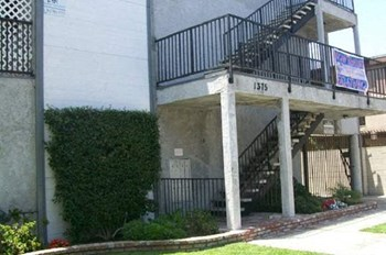 1375 Temple Ave. 2 Beds Apartment for Rent Photo Gallery 1