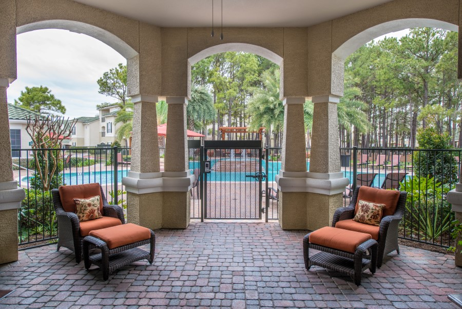 Image of the sundeck at Chandler Park Apartment Homes near Briar Forest