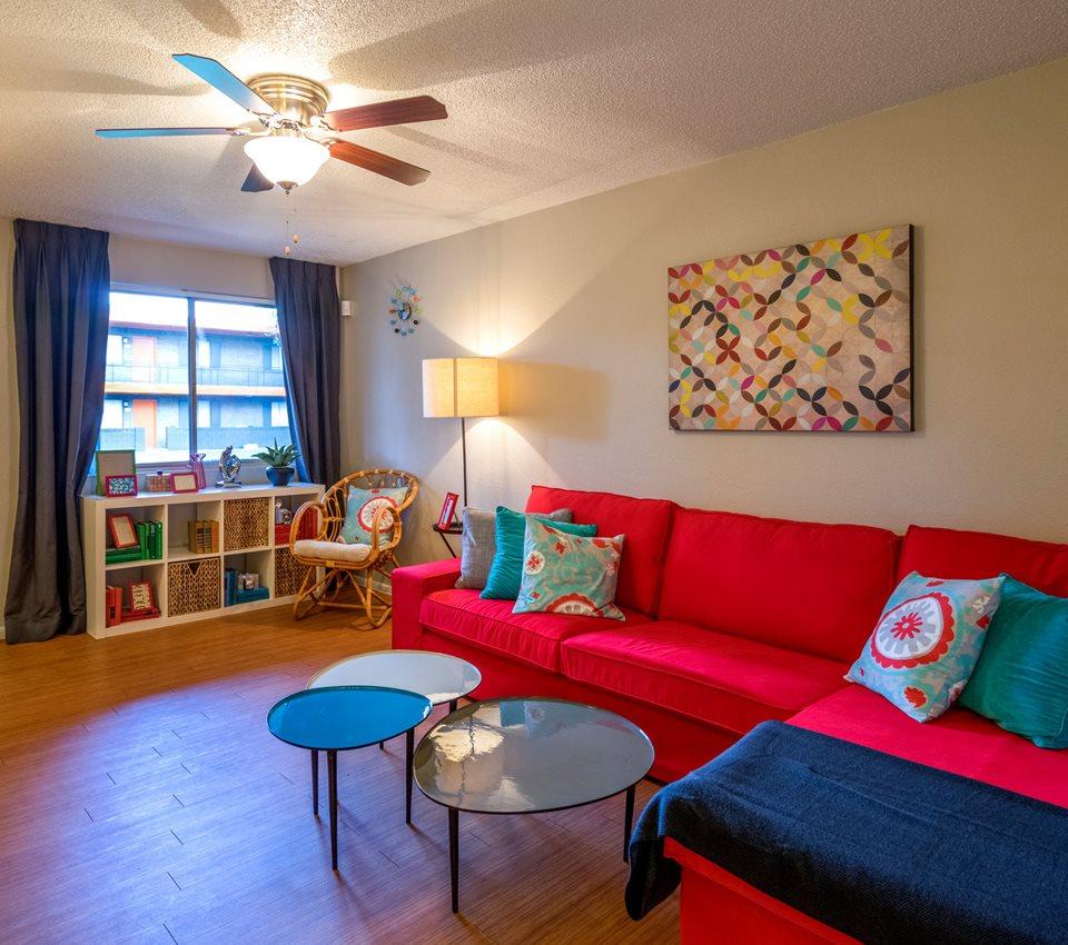Omnia Mcclintock Apartments In Tempe Az