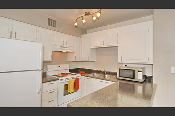 The nines apartment homes 999 e baseline rd tempe az rentcaf for Cheap one bedroom apartments in tempe