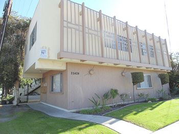 25424 Western Ave. 1-2 Beds Apartment for Rent Photo Gallery 1