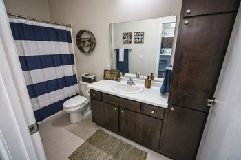 1151 32nd Ave N Studio-4 Beds Apartment for Rent Photo Gallery 1