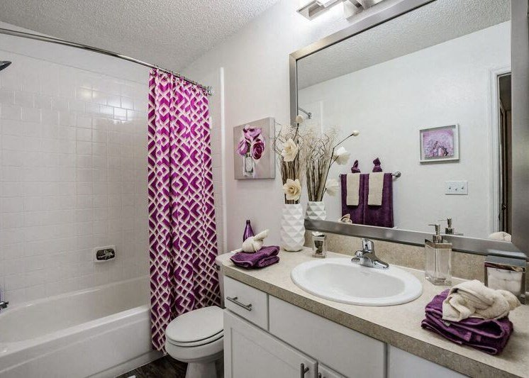 Bathroom With Bathtub at Enclave at Lake Underhill, Florida, 32803