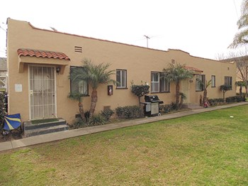 1041-1045 Gulf Ave. 1-2 Beds Apartment for Rent Photo Gallery 1