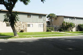 147 E. Wakefield Ave. 1-2 Beds Apartment for Rent Photo Gallery 1