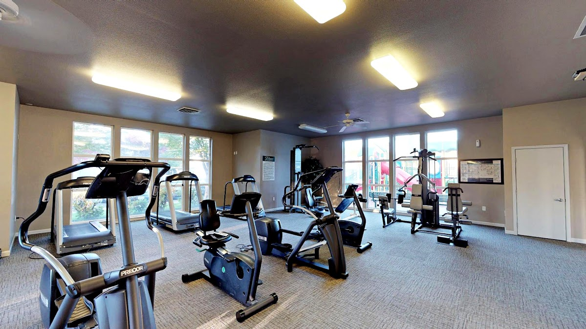 Jenna-Village-Fitness Center Cardio Machines