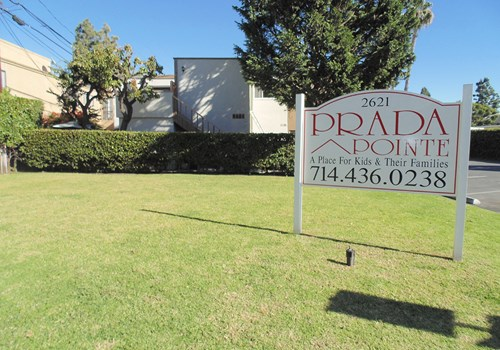 Prada Pointe Apts. Community Thumbnail 1