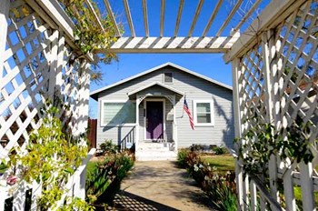 2204 Gramercy Ave. 2 Beds House for Rent Photo Gallery 1