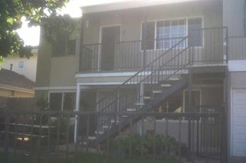 1931 Pomona Ave. 3 Beds Apartment for Rent Photo Gallery 1