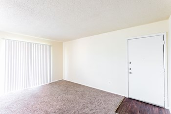 1701 Dove Loop Rd 1-2 Beds Apartment for Rent Photo Gallery 1