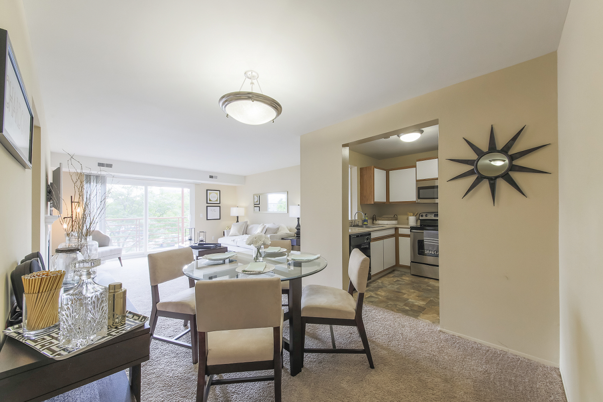 Nice Open Layouts At Signature Club Apartments, Ann Arbor, MI, 48103 Gallery