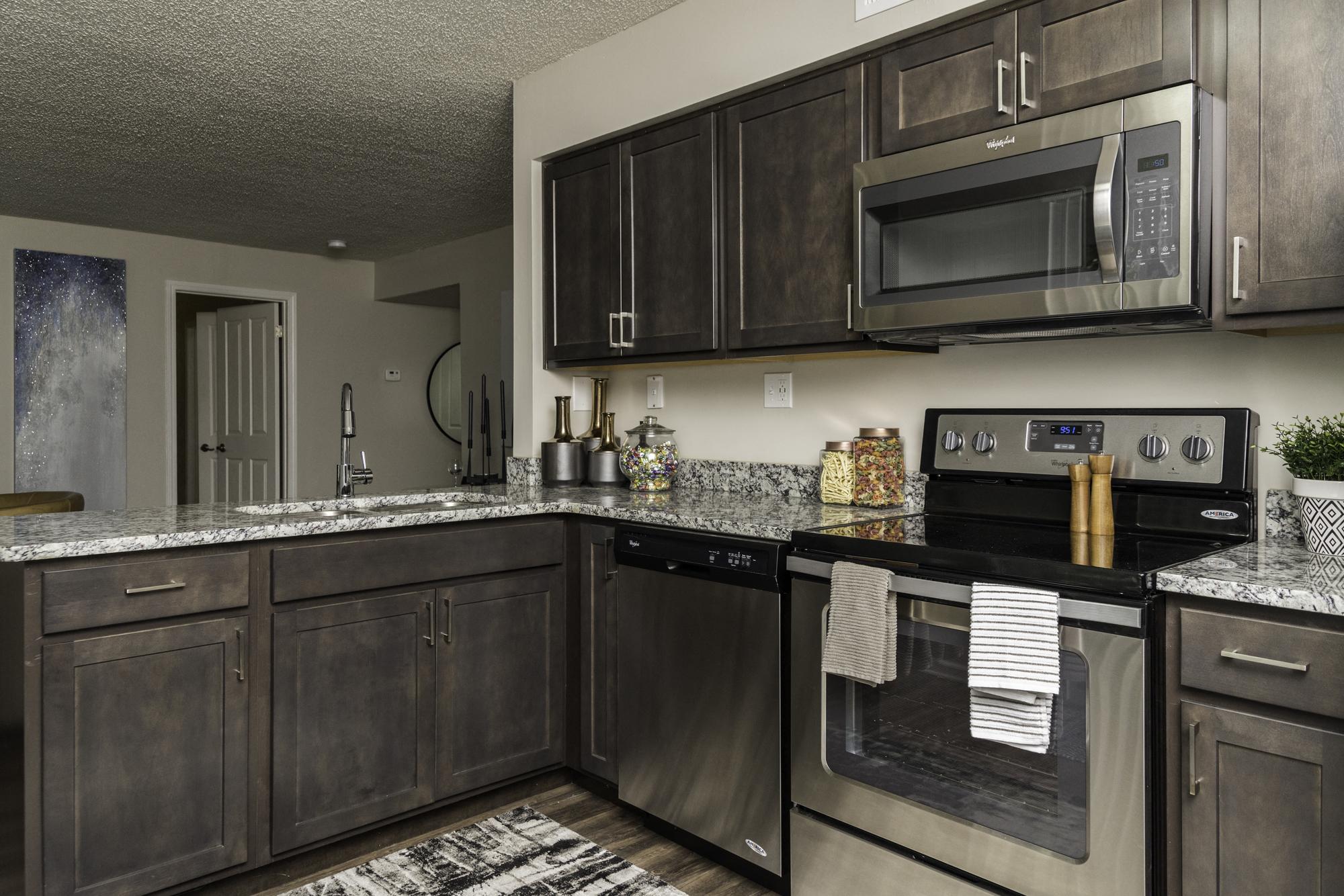 Dearborn, MI Apartments   Fairlane Woods Apartments