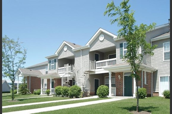 Skyridge Club Apartments Crystal Lake Il