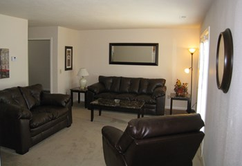 502 Dolphin Dr. 3 Beds Apartment for Rent Photo Gallery 1