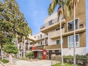 920 Wilcox Avenue 2 Beds Apartment for Rent Photo Gallery 1