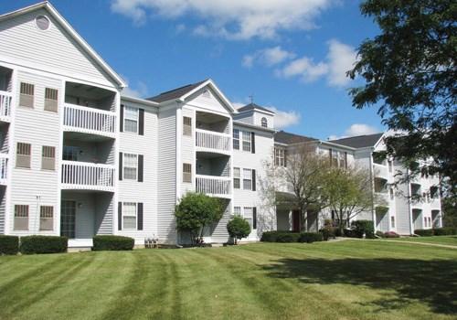 Fairfax Apartments - Lansing, MI Community Thumbnail 1