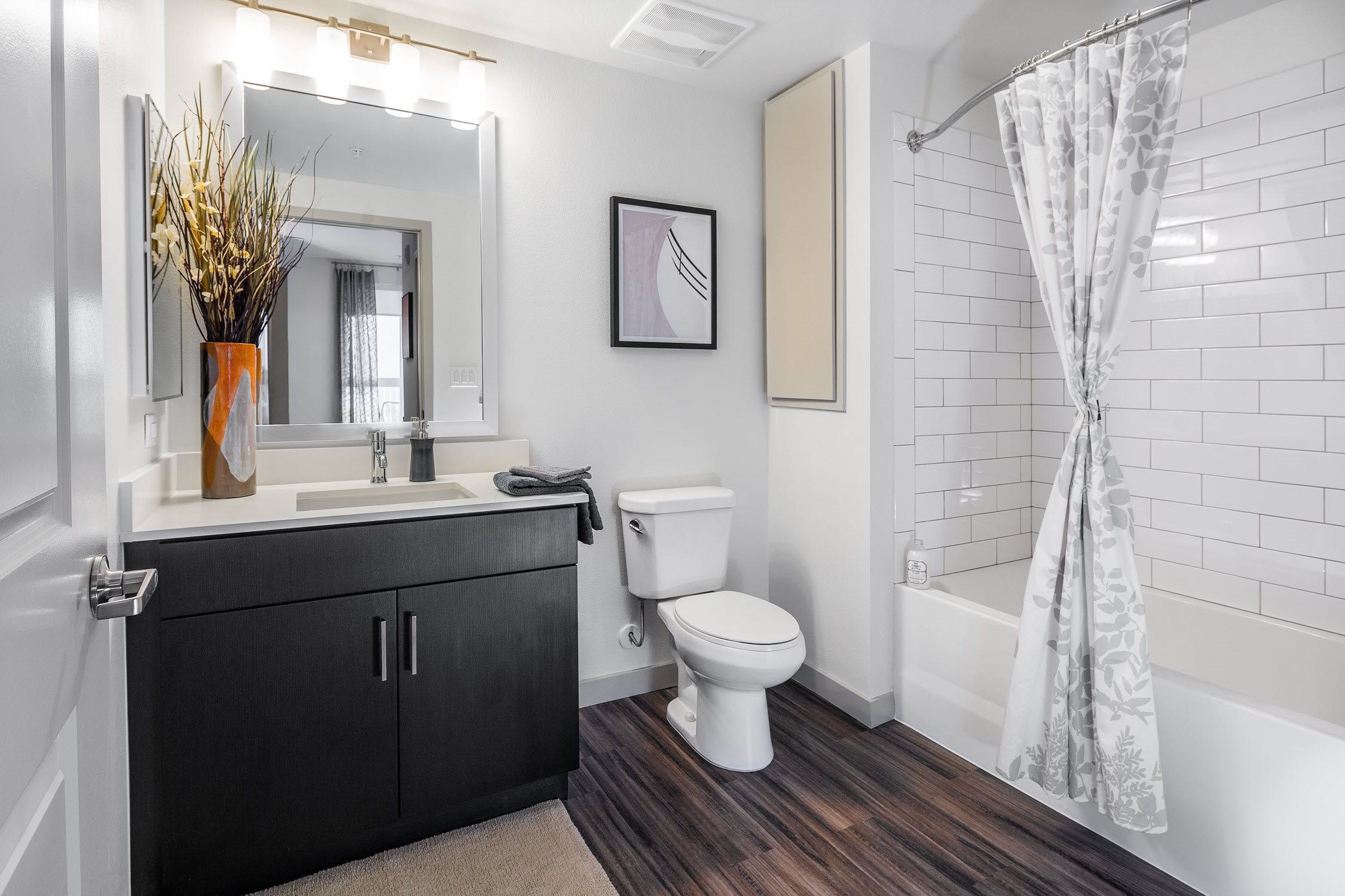 G12 Apartments_Los Angeles CA_Staged Bathroom