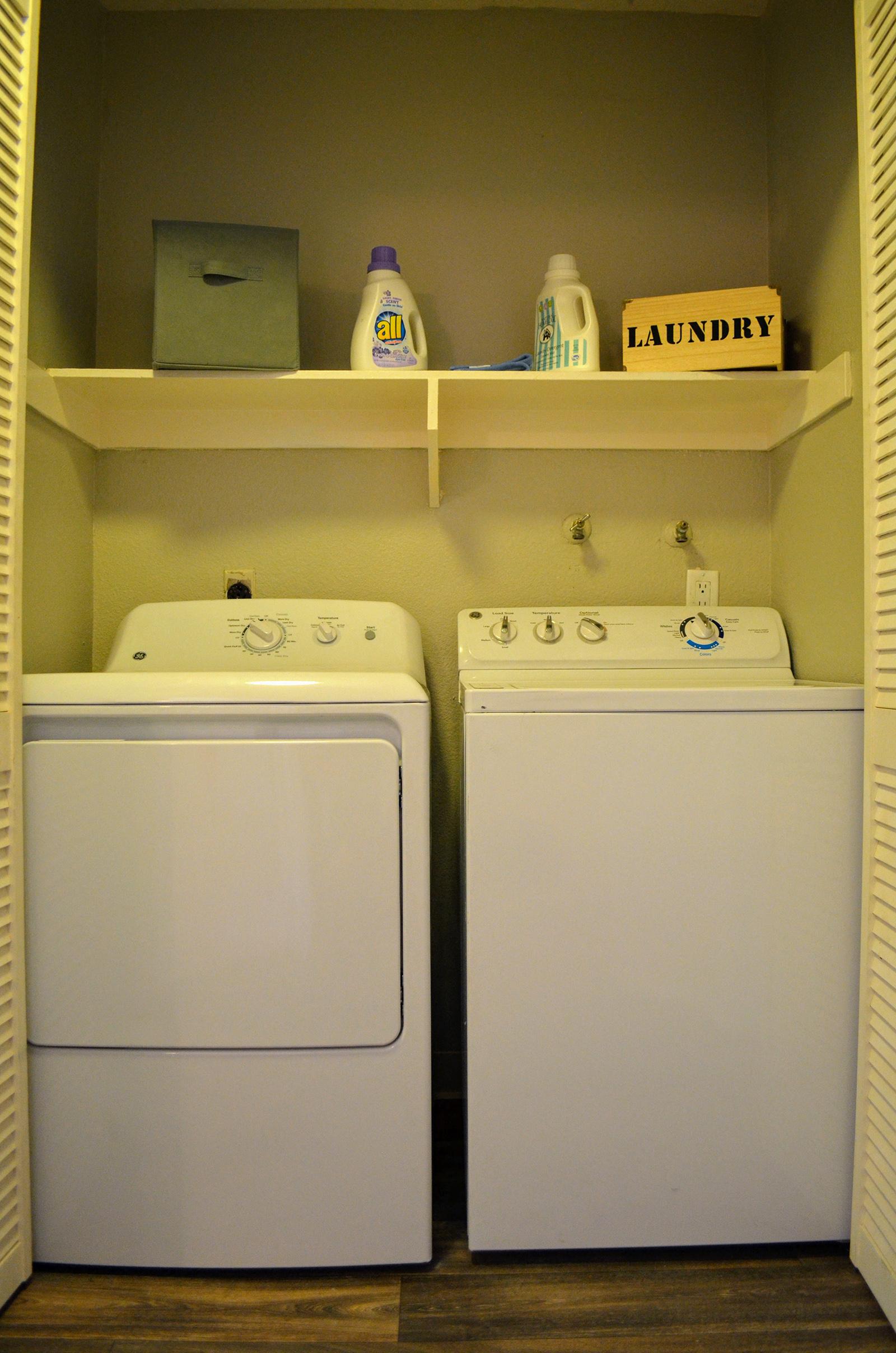 Washer and Dryer at at Canyon Villa Apartments, California, 91910