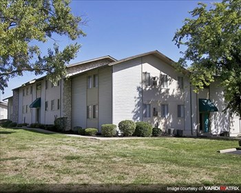 11803 Holiday Drive 2-3 Beds Apartment for Rent Photo Gallery 1