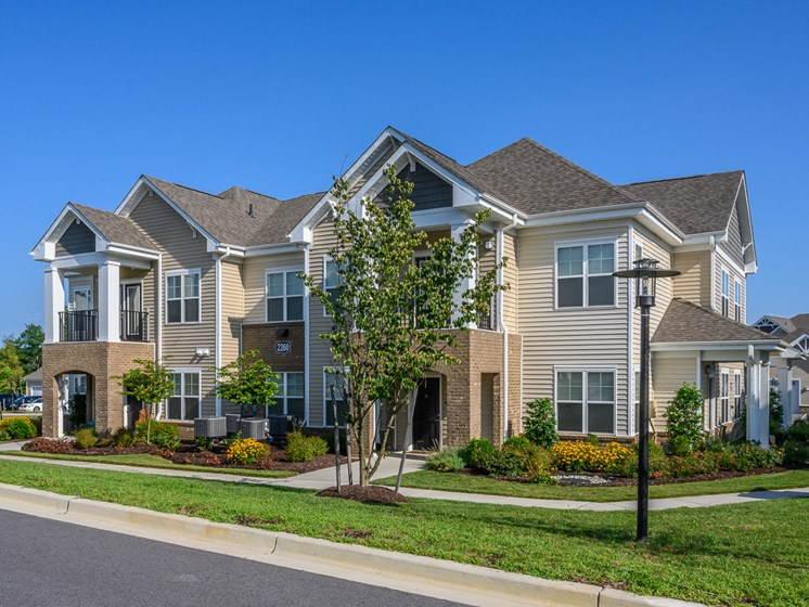 Elegant Exterior View at Abberly Square Apartment Homes by HHHunt, Maryland, 20601
