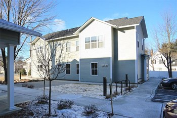 636 & 638 Hinesburg Road 1-2 Beds Apartment for Rent Photo Gallery 1