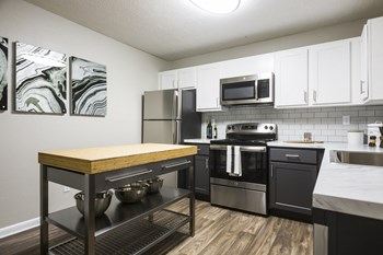 7700 Colquitt Rd. 1-3 Beds Apartment for Rent Photo Gallery 1