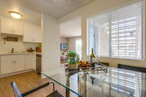 Newport Seacrest Apartments Furnished Apartment Dining Room