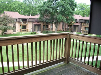 300 W. Henry Ct. 1-2 Beds Apartment for Rent Photo Gallery 1