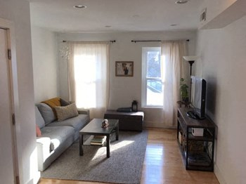 5226-30 Ridge Avenue 1-2 Beds Apartment for Rent Photo Gallery 1
