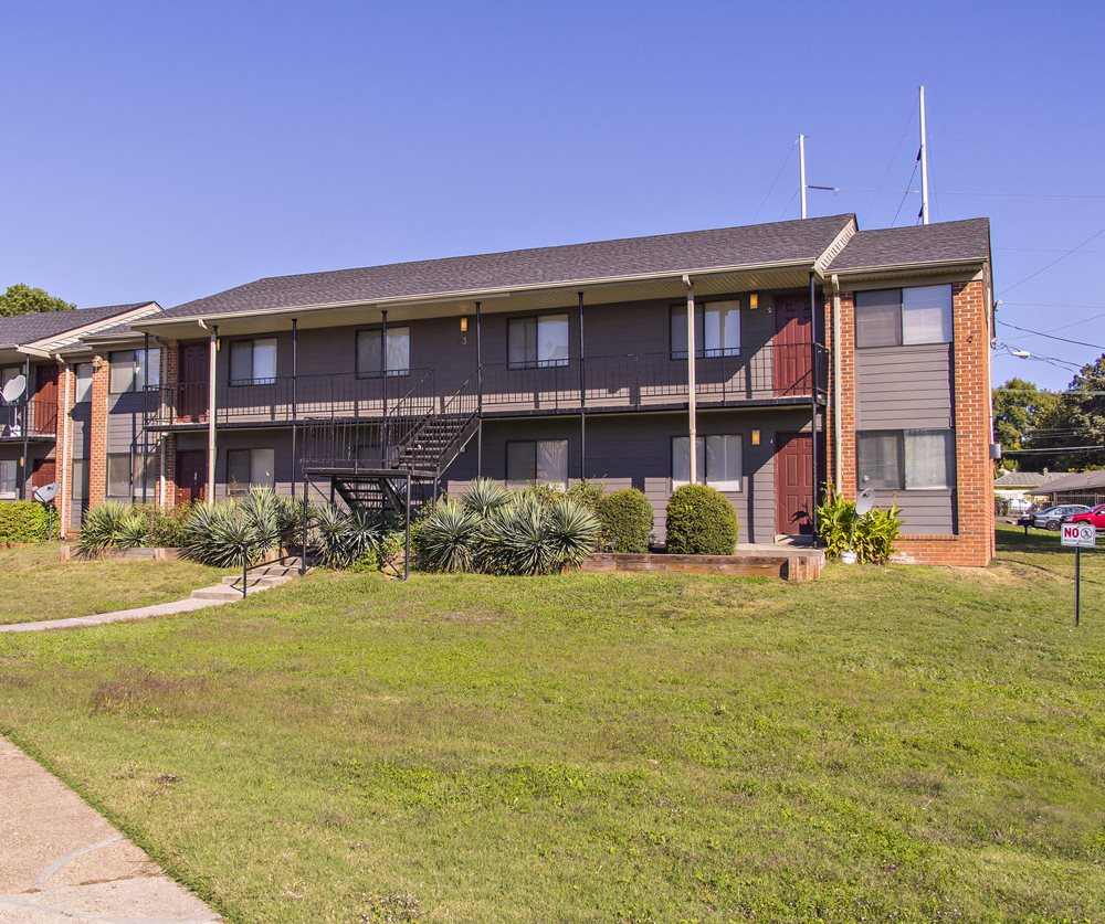 Chickasaw Place Apartments