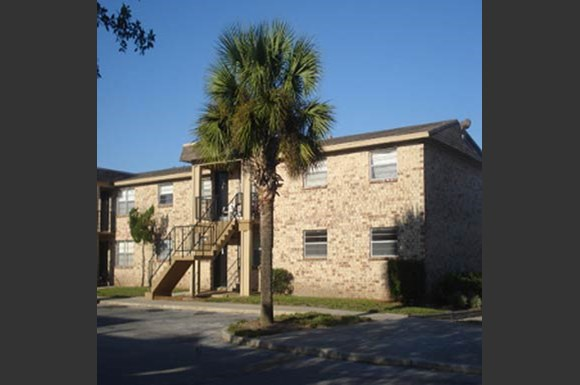 Desert Winds Apartments Jacksonville FL