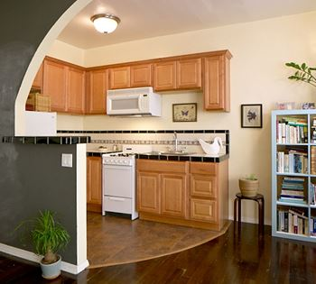 1026 1036 Sanborn Avenue Studio 1 Bed Apartment For Rent Photo Gallery