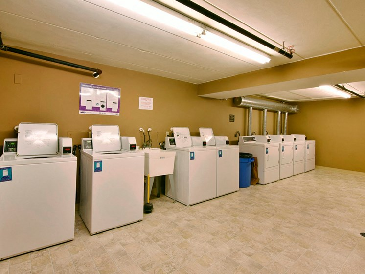 Apartments in Fitchburg, Wisconsin laundry room