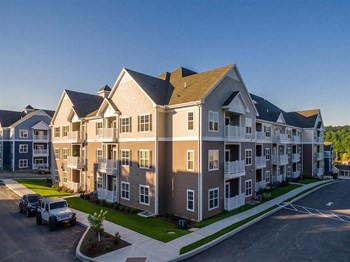 1100 Anchor Line Drive 1-3 Beds Apartment for Rent Photo Gallery 1