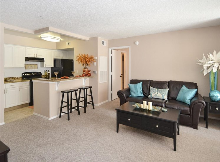 The Point at Naples Apartment Homes Naples, FL 34112 built in breakfast nook