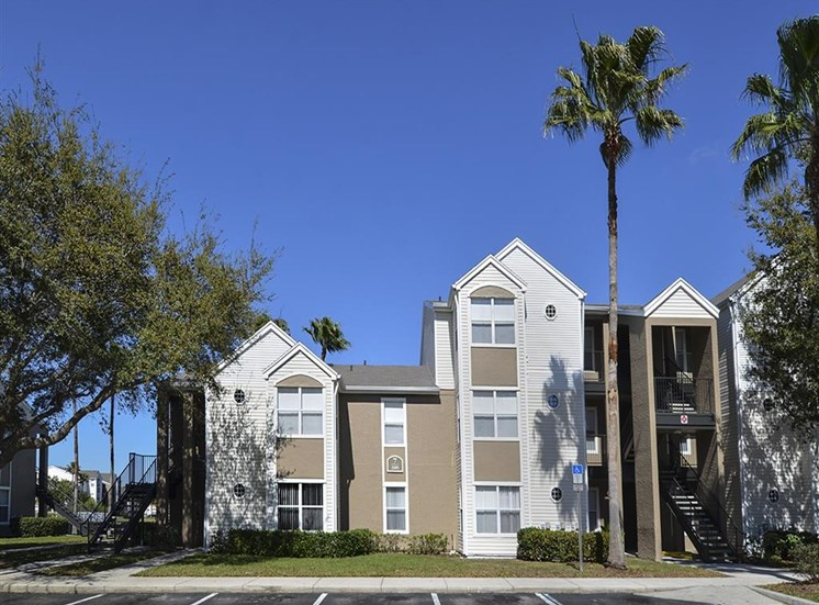 The Point at Naples Apartment Homes Naples, FL 34112 Building facade