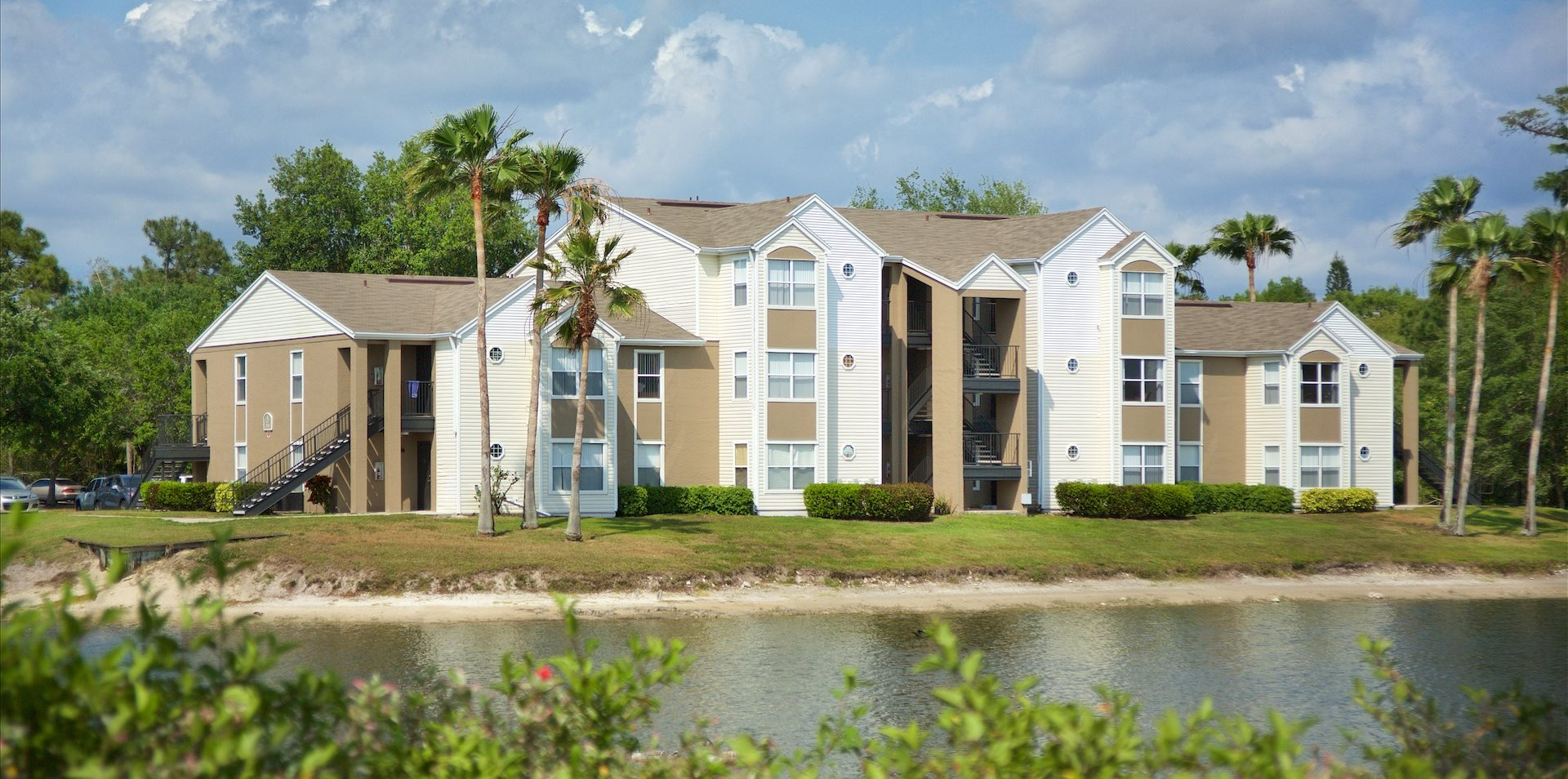 The Point At Naples Apartments In Naples Fl