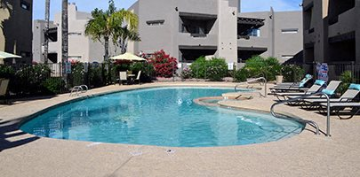 Poolside Lounging Area at Scottsdale Horizon Apartments, Arizona, 85260