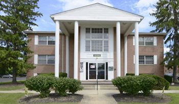 496 S. Hamilton Road #29 1-2 Beds Apartment for Rent Photo Gallery 1
