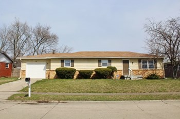 10238 Baribeau 3 Beds House for Rent Photo Gallery 1