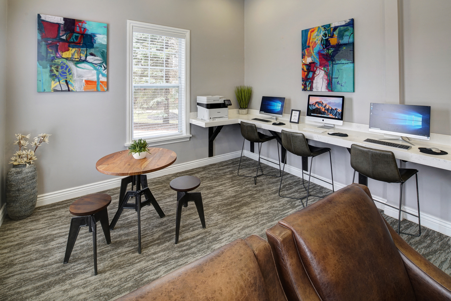 Cyber Lounge with High Speed Internet Access at River Run at Naperville Apartments, Naperville, 60564