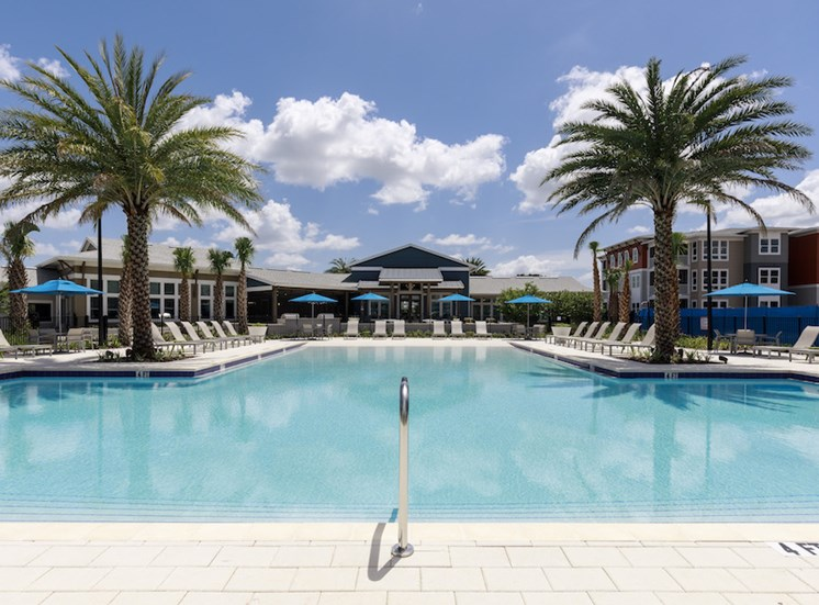 Ariel Apartments in Lake Nona, Orlando, FL 32827 Sparkling Pool clubhouse view