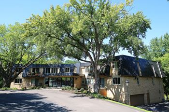 5220 Interlachen Blvd 1-2 Beds Apartment for Rent Photo Gallery 1