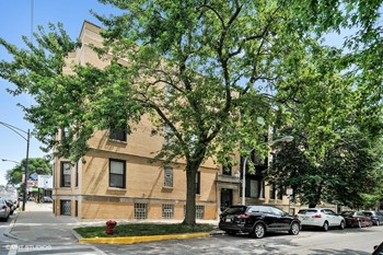 3945-59 N. Janssen Ave. Studio-3 Beds Apartment for Rent Photo Gallery 1