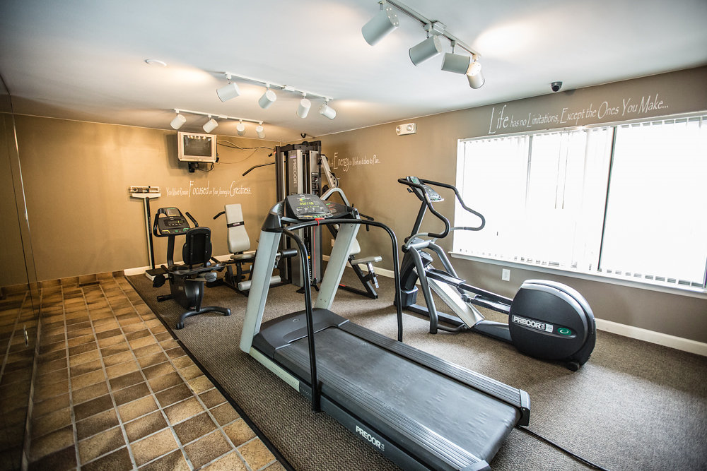 24-hour Fitness Center at Drawbridge Apartments East, Michigan, 48045