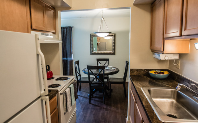 Model Kitchen at Drawbridge Apartments East, 48045
