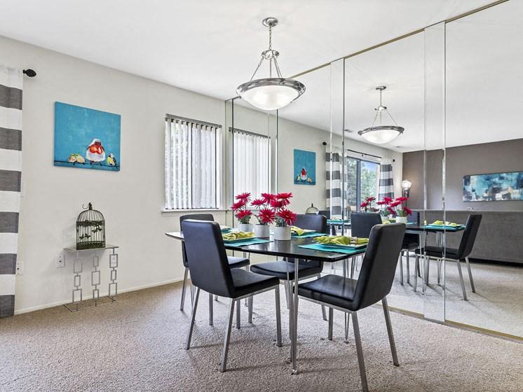 Dining room - Southfield MI 48034