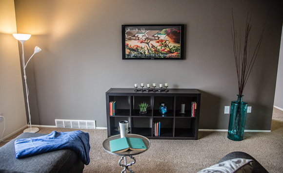 Living Room at Franklin River Apartments, Southfield, 48034