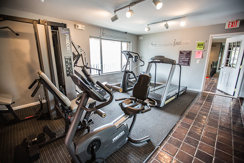 24 Hour Gym and Saunas at Knottingham Apartments, Michigan