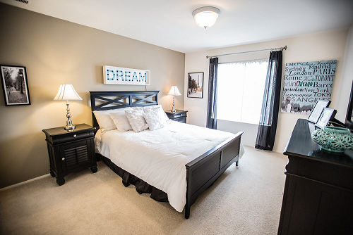 Spacious Master Bedroom at Knottingham Apartments, Clinton Township